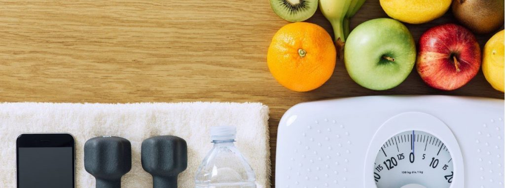 Hydrate and substitute for healthy foods to achieve weight loss